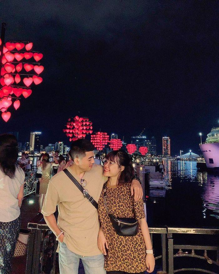 Cầu Tình Yêu Đà Nẵng là vị trí khá đẹp để xem bắn pháo hoa