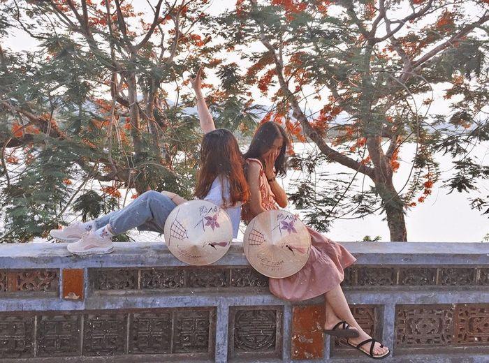 thoi-diem-den-song-huong-hue