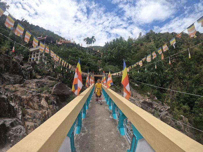 thoi-gian-ly-tuong-den-chua-suoi-do-nha-trang