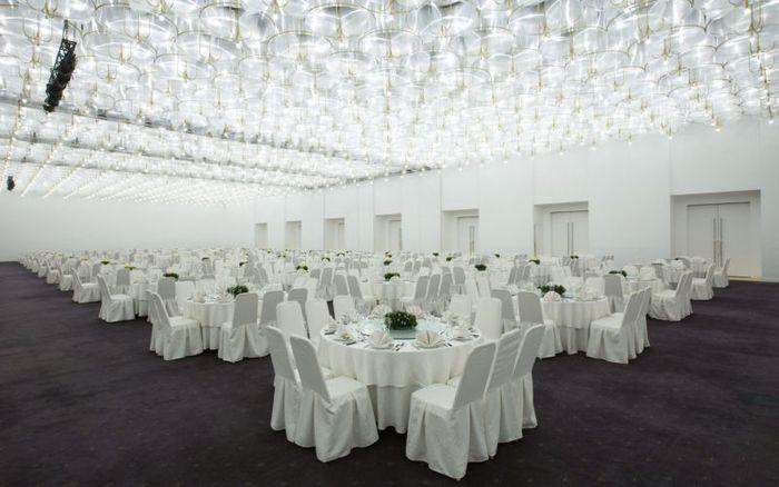 dat-tiec-tat-nien-white-palace