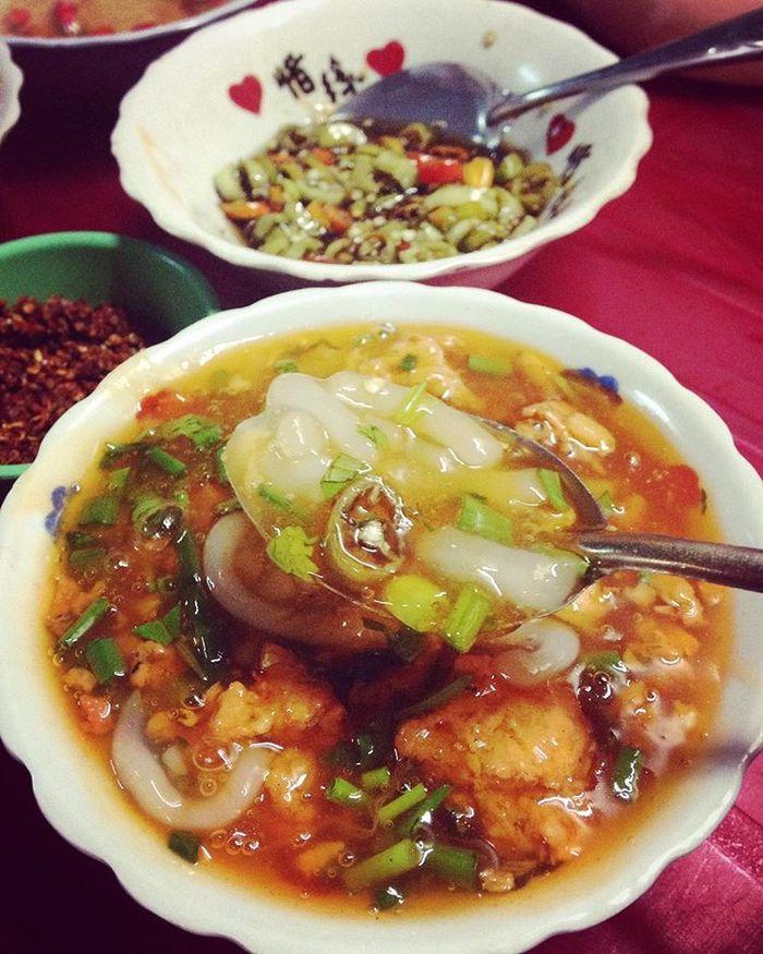 huong-vi-banh-canh-nam-pho-hue