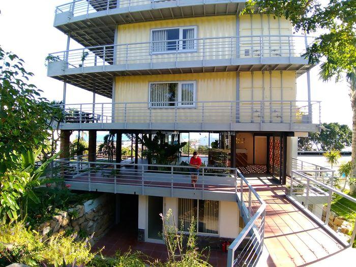 toan-canh-palm-hostel-coffee-nha-trang