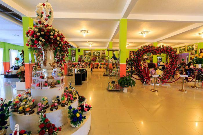 showroom-hoa-kho-da-lat-chi-cach-cap-treo-da-lat-mot-doan-duong-ngan
