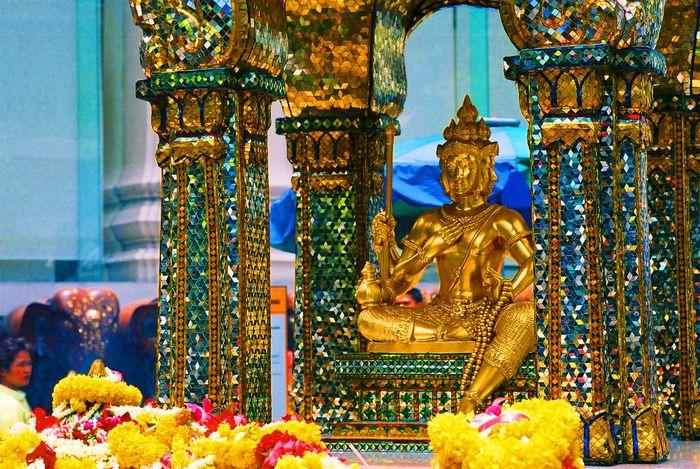 Tượng Phật Bốn Mặt ở Thái Lan