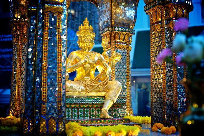 Chuyện tâm linh về Phật bốn mặt