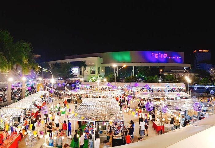 Mua sắm tại chợ đêm Helio