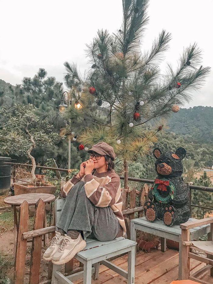 Nhà bên rừng Hà Nội