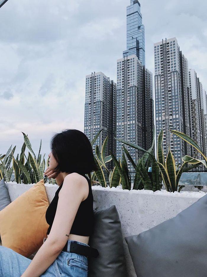 high-sky-garden-lounge