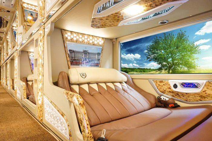 hang-xe-limousine-amazing-di-da-lat-tour-da-lat-tet