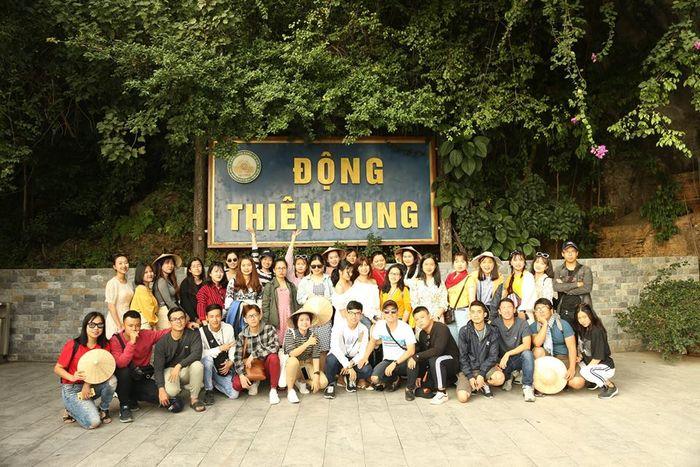 dong-thien-cung-hang-dau-go