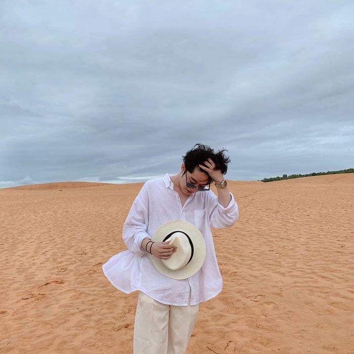 Đi đồi cát nên mặc đồi gì cho nam?