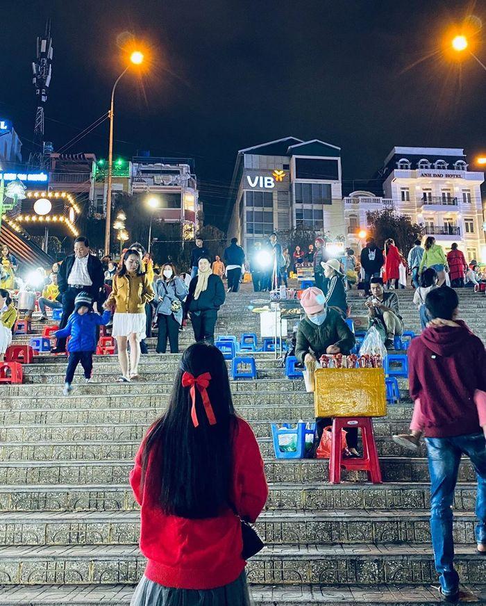 Khu chợ đêm Đà Lạt nhộn nhịp