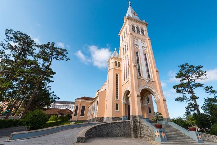 Địa điểm đẹp Đà Lạt - Nhà thờ Con Gà