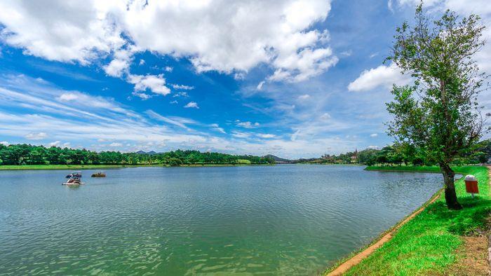 Địa điểm đẹp Đà Lạt hồ Xuân Hương