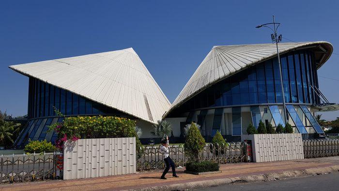 Nhà hát Cao Văn Lầu ở Bạc Liêu