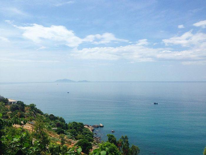 View nhìn từ chùa Linh Ứng