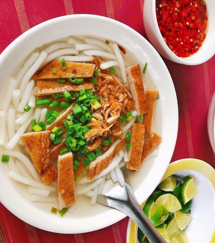 Bánh canh chả cá, đặc sản Nha Trang - Bình Ba