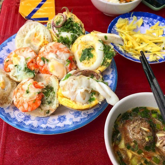 Bánh căn hải sản, đặc sản Bình Ba