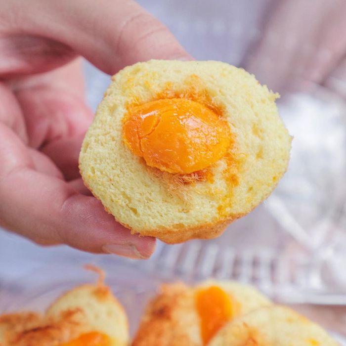 Bánh bông lan trứng muỗi Ngọc Hiệp được thực khách khen ngợi