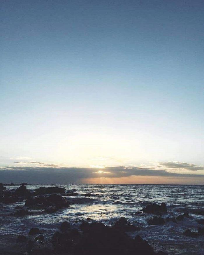 Bình minh dần xuất hiện trên biển Phan Thiết