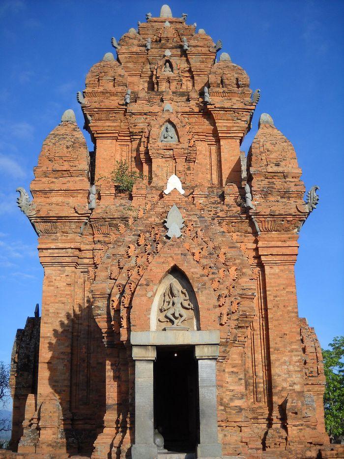 Ngọn tháp chính