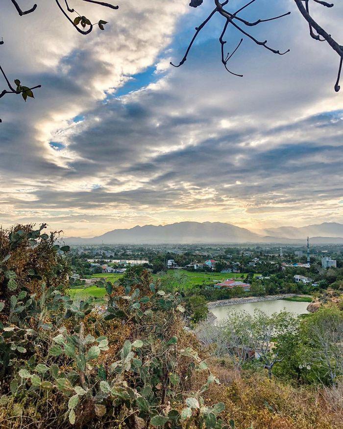 Cảnh nhìn từ Tháp Po Klong Garai