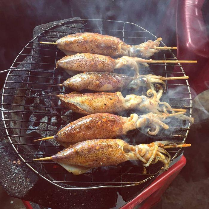 Thưởng thức hải sản giá rẻ ở biển Thạnh Phú