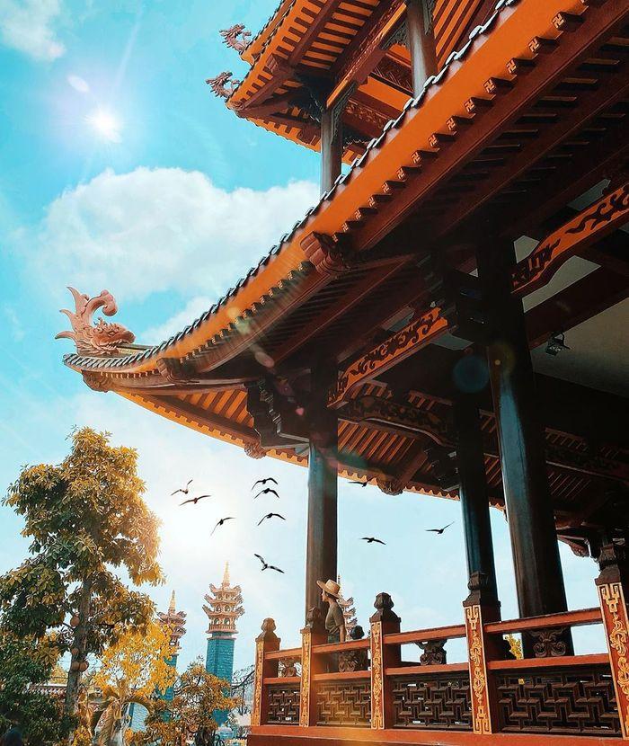 Một góc yên bình ở chùa Phật Ngọc Xá Lợi Vĩnh Long