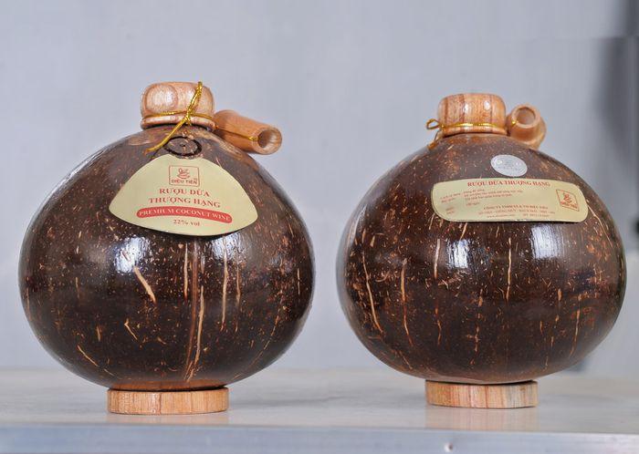 Đặc sản rượu dừa Sơn Trà