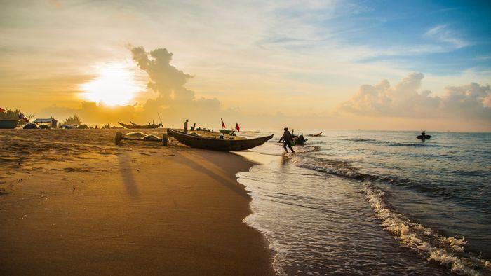 Hoàng hôn thơ mộng trên bãi biển Vũng Tàu