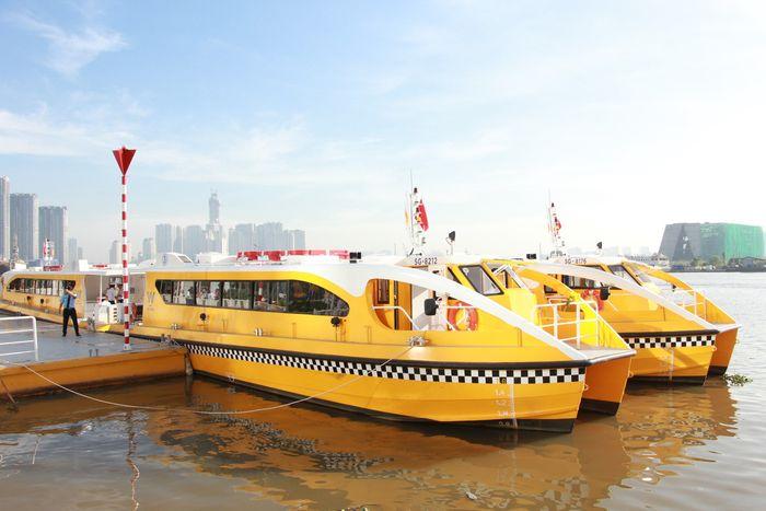Xe buýt đường sông Sài Gòn