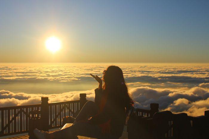 Một biển mây trước mặt du khách