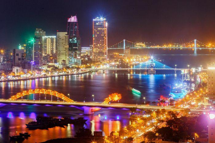 Sông Hàn lung linh, rực rỡ về đêm
