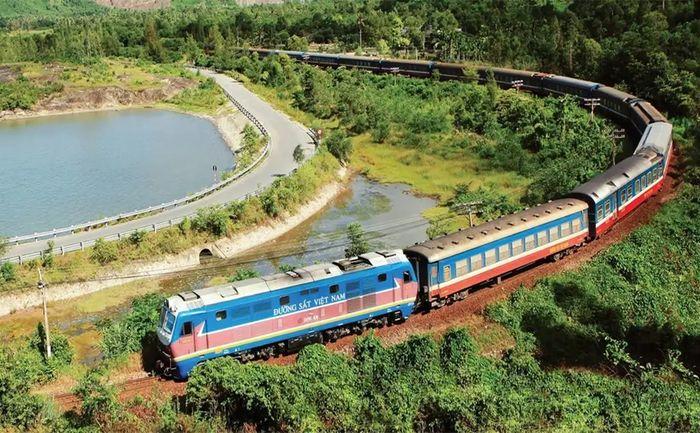 Bạn hãy thử du lịch Đà Nẵng bằng tàu hỏa, đậm chất sống chậm.