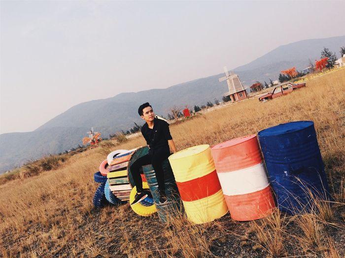 Bạn trẻ check-in tại cánh đồng Thuận Phước