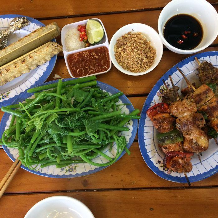 Các món đặc sản Tam Đảo: cơm lam, ray su su, thịt nướng