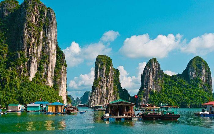 Cảnh đẹp mê mẩn ở vịnh Hạ Long