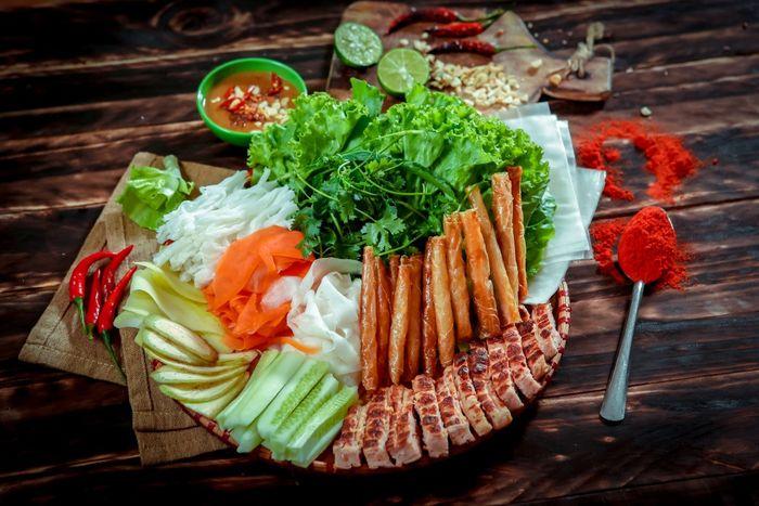 Đặc sản nem nướng Ninh Hòa Nha Trang