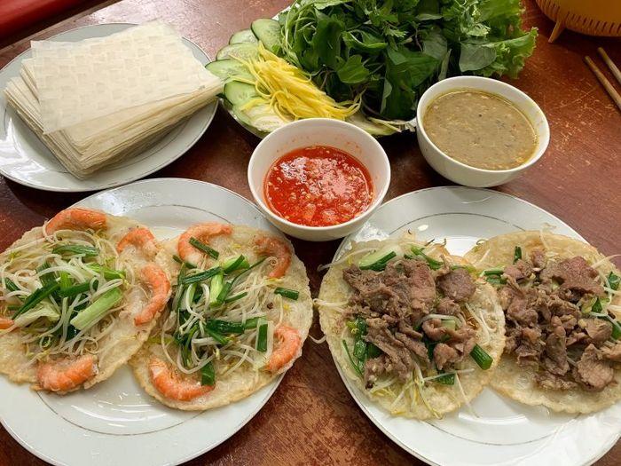 Bánh xèo Đà Nẵng - một trong những đặc sản nổi tiếng nơi đây