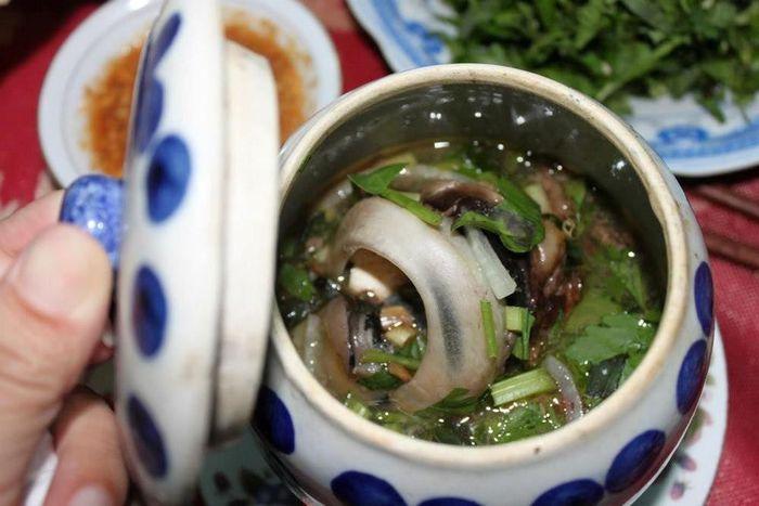 Đặc sản mắt cá ngừ chưng Phú Yên