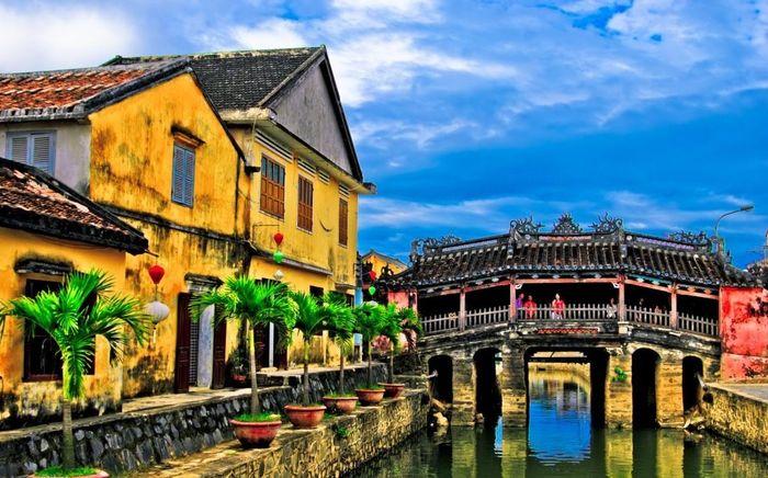 Vẻ đẹp cổ kính của phố cổ Hội An