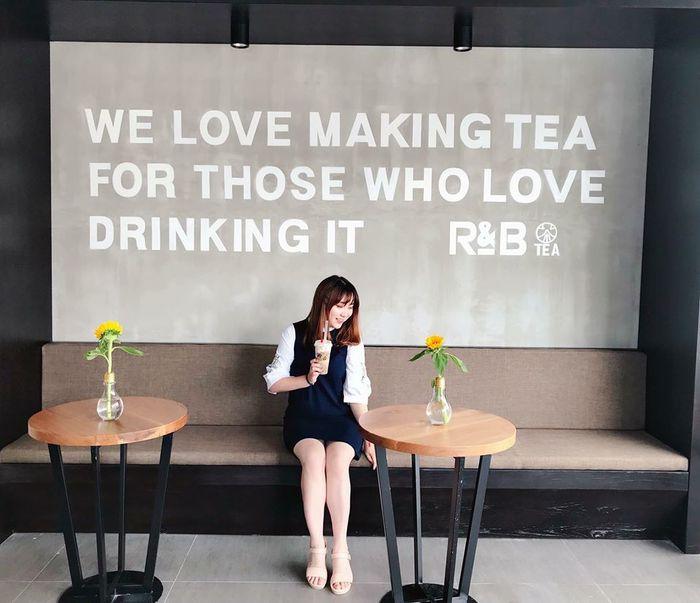 Quán trà sữa ở Đà Lạt R&B Tea được các bạn trẻ yêu thích
