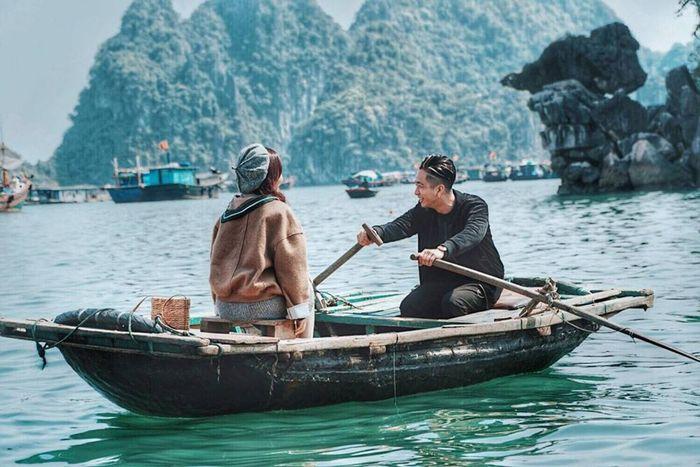 ban-co-the-cheo-thuyen-kham-pha-vinh-ha-long