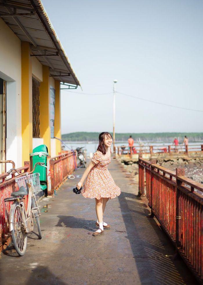 Bạn trẻ du lịch bụi ở đảo Thạnh An, Cần Giờ