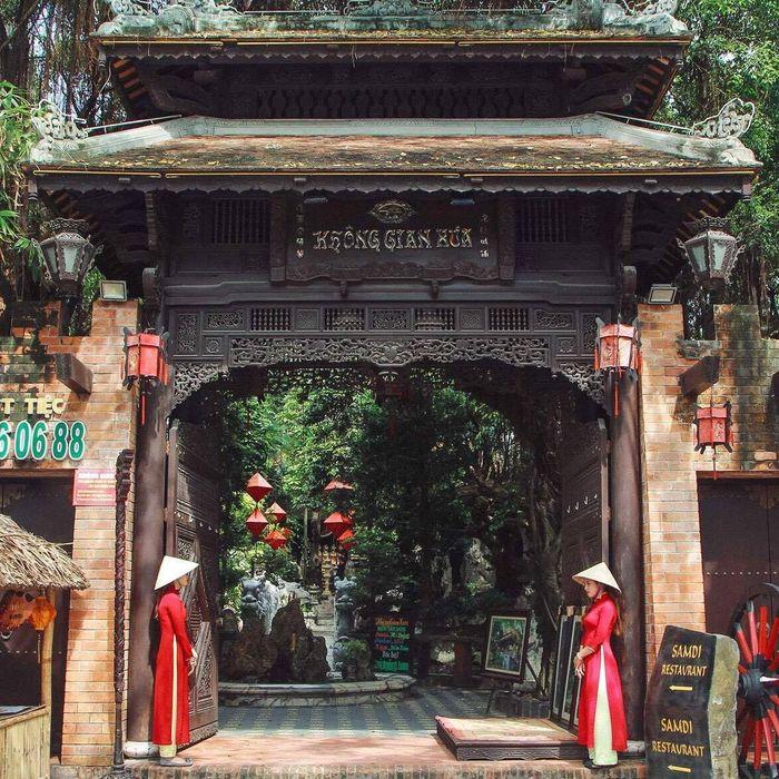 nha-hang-khong-gian-xua