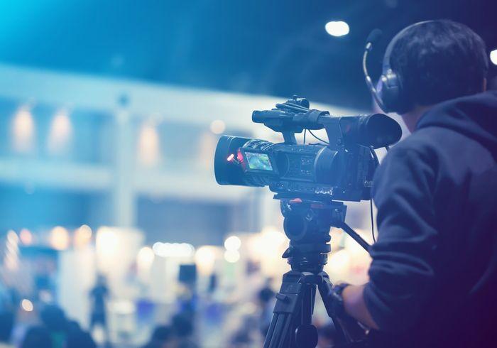 thue-quay-phim-livestream-de-san-xuat-video-quang-ba-chuyen-nghiep-hon