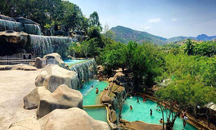 du-lich-nha-trang-thang-12-i-resort-khu-tam-suoi-khoang-nong-dep-o-nha-trang