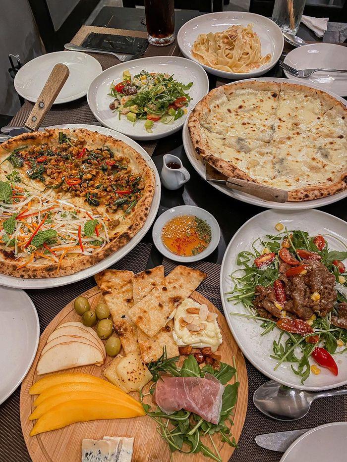 Nhà hàng The Home Pizza với nhiều món ngon hấp dẫn