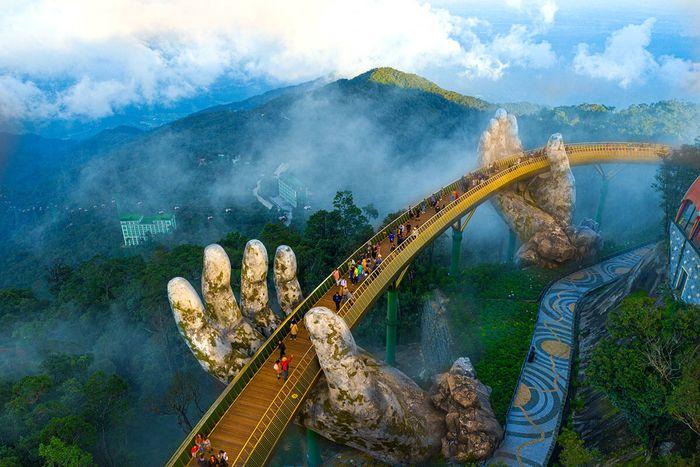 Tour Đà Nẵng 4 ngày của Bazan Travel đưa du khách đến nhiều điểm nổi tiếng